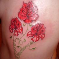 foto-sfondi-tatuaggi-colorati-fiori-rossi